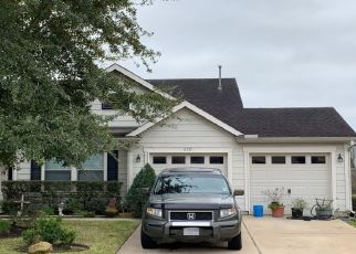 Pre Foreclosure in Spring 77379 FAIRBROOK PARK LN - Property ID: 1541629656