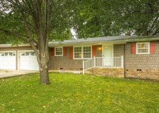 Pre Foreclosure in Chattanooga 37421 OAK DR - Property ID: 1541706741