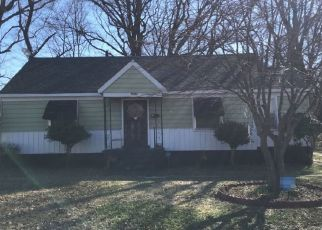 Pre Foreclosure in Memphis 38106 VALLEY BLVD - Property ID: 1541711550