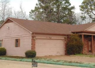 Pre Foreclosure in Memphis 38116 GARDENVIEW DR - Property ID: 1541769359