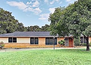Pre Foreclosure in Fort Worth 76112 YOLANDA DR - Property ID: 1541901637