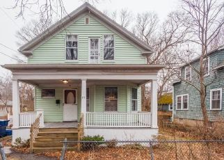 Pre Foreclosure in West Roxbury 02132 COTTAGE RD - Property ID: 1542037404