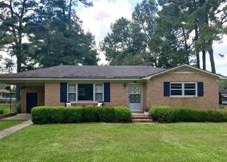 Pre Foreclosure in Effingham 29541 E SMALLWOOD RD - Property ID: 1542214344