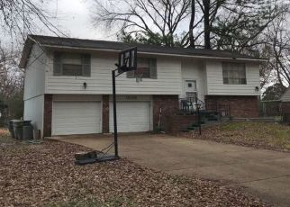 Pre Foreclosure in Memphis 38116 CROYDON AVE - Property ID: 1542325144