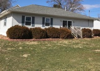 Pre Foreclosure in Taylorville 62568 E PARK ST - Property ID: 1542458741