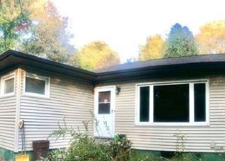 Pre Foreclosure in Oak Ridge 07438 MILTON RD - Property ID: 1543790616