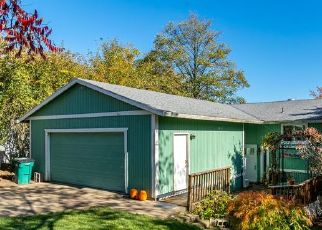 Pre Foreclosure in Troutdale 97060 SE CHAPMAN AVE - Property ID: 1543963618