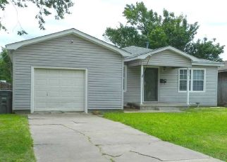 Pre Foreclosure in Lawton 73507 NW 17TH ST - Property ID: 1544055144