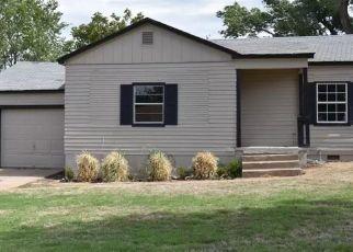 Pre Foreclosure in Elk City 73644 CARPENTER LN - Property ID: 1544065216