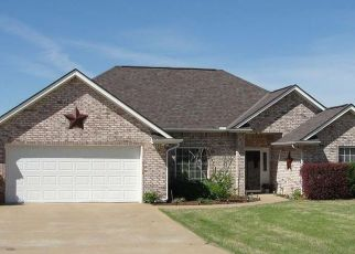 Pre Foreclosure in Lawton 73505 NW VALLEYBROOK DR - Property ID: 1544080556