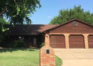 Pre Foreclosure in Lawton 73507 NE 9TH ST - Property ID: 1544085815
