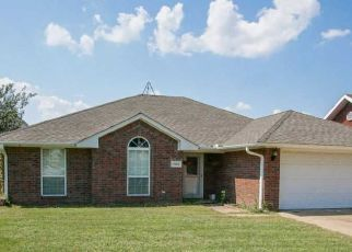 Pre Foreclosure in Ardmore 73401 PERSIMMON LN - Property ID: 1544105515