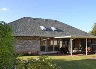 Pre Foreclosure in Oklahoma City 73160 E MAIN ST - Property ID: 1544199237
