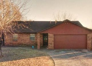 Pre Foreclosure in Oklahoma City 73115 OVERLAND DR - Property ID: 1544228591