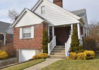Pre Foreclosure in Cincinnati 45211 WERK RD - Property ID: 1544286401