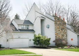 Pre Foreclosure in Bay Village 44140 ARLINGTON CIR - Property ID: 1544396327