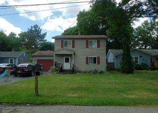 Pre Foreclosure in Waterford 48329 PRAIRIE LAWN - Property ID: 1544497953