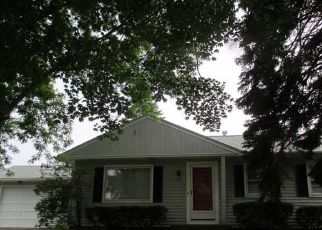 Pre Foreclosure in Rochester 14616 SANDALWOOD DR - Property ID: 1544858392