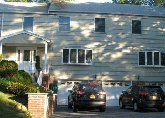 Pre Foreclosure in Huntington Station 11746 MELROSE RD - Property ID: 1544894756
