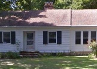 Pre Foreclosure in East Haven 06512 MAPLE ST - Property ID: 1545052415