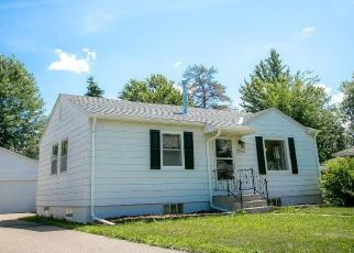 Pre Foreclosure in Lakeville 55044 HOWLAND AVE W - Property ID: 1545803542
