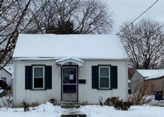 Pre Foreclosure in Saint Paul 55104 SEMINARY AVE - Property ID: 1545816239