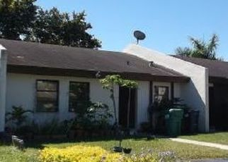 Pre Foreclosure in Miami 33175 SW 52ND ST - Property ID: 1546046623