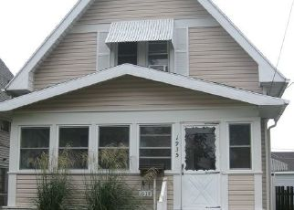 Pre Foreclosure in Toledo 43605 GREENWOOD AVE - Property ID: 1546439480