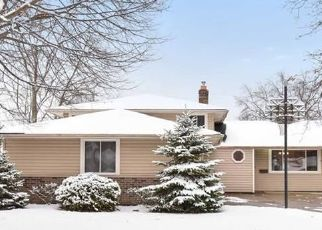 Pre Foreclosure in North Olmsted 44070 FAWN DR - Property ID: 1546727673
