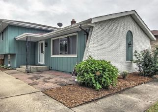 Pre Foreclosure in Highland 46322 JEWETT AVE - Property ID: 1546820523