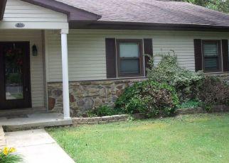 Pre Foreclosure in Elizabethtown 42701 E RHUDES CREEK RD - Property ID: 1547210761