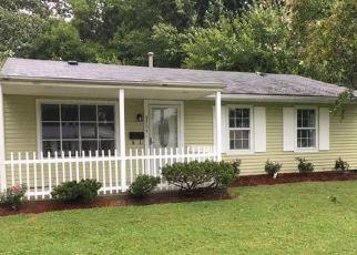 Pre Foreclosure in Louisville 40213 LORETTA ST - Property ID: 1547228264