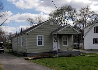Pre Foreclosure in Louisville 40219 LONE OAK AVE - Property ID: 1547258496