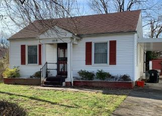 Pre Foreclosure in Louisville 40211 S 45TH ST - Property ID: 1547270764