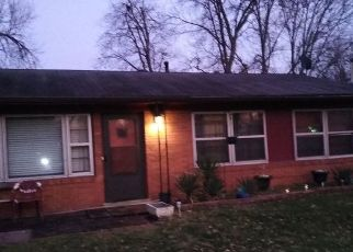 Pre Foreclosure in Louisville 40218 RUSTIC WAY - Property ID: 1547549305