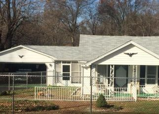 Pre Foreclosure in Louisville 40258 TERRY RD - Property ID: 1547580852