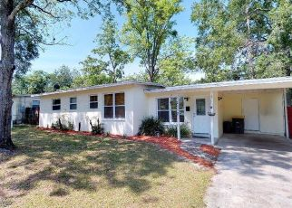 Pre Foreclosure in Jacksonville 32210 LA VALLE DR - Property ID: 1547727561