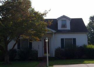 Pre Foreclosure in Huntingburg 47542 S CHESTNUT ST - Property ID: 1547840115