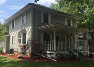 Pre Foreclosure in Nappanee 46550 N HARTMAN ST - Property ID: 1547950944