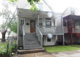 Pre Foreclosure in Chicago 60617 S CALHOUN AVE - Property ID: 1548056486