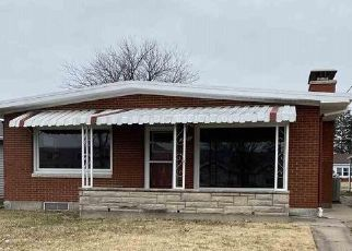 Pre Foreclosure in Quincy 62301 HARRISON ST - Property ID: 1548135761