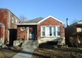 Pre Foreclosure in Chicago 60617 S BENNETT AVE - Property ID: 1548140126