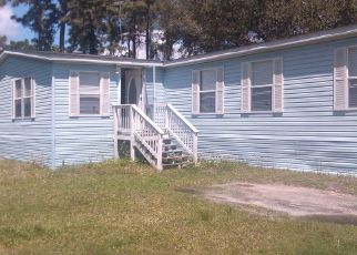 Pre Foreclosure in Holiday 34690 WHIPPOORWILL DR - Property ID: 1548347739