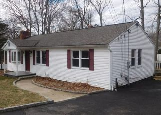 Pre Foreclosure in Bridgeport 06606 CHOPSEY HILL RD - Property ID: 1549089670
