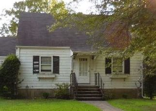 Pre Foreclosure in Fairfield 06825 NEW ST - Property ID: 1549095355