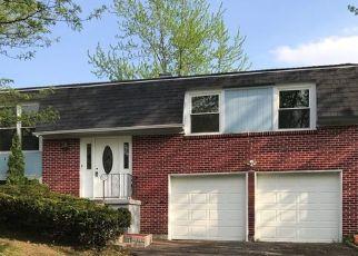 Pre Foreclosure in Bolingbrook 60440 DEVON LN - Property ID: 1550530150