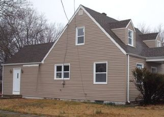 Pre Foreclosure in Mount Ephraim 08059 GARFIELD AVE - Property ID: 1550715421
