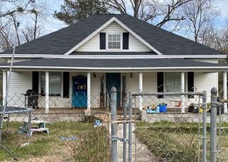Pre Foreclosure in West Blocton 35184 HICKORY ST - Property ID: 1551270327
