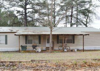 Pre Foreclosure in Clanton 35045 COUNTY ROAD 247 - Property ID: 1551293999