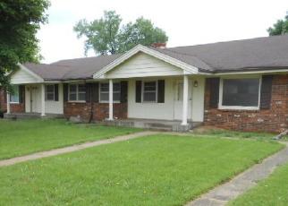 Pre Foreclosure in Rockford 61107 GARRETT LN - Property ID: 1551393851